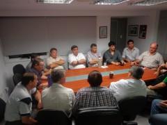 """Los convocados por """"Tito"""" Álvarez a aquella reunión de octubre de 2012, donde se prometió potenciar el básquetbol posadeño. Nada se hizo por la actividad capitalina (Foto Diputados Misiones)"""