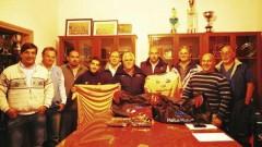 Los árbitros de la URuMi recibieron con alegría el equipamento para los referatos de los partidos (Foto El Territorio)