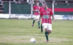 Gabriel González, el lateral izquierdo de Brown que debutó con un éxito como local (Foto Tatiana Lencina, El Territorio)