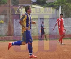 Sergio Gómez marcó el primer gol ante Huracán, a los 15 segundos de iniciado el juego (Foto club Mitre)