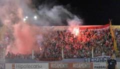 Hubo 2.000 hinchas de Independiente en Santa Inés (Foto: Facundo Correa, El Territorio)