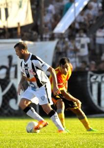 El eldoradense Adrián Galeano regresa al equipo titular de For Ever ante Guaraní